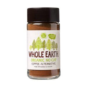Υποκατάστατο καφέ με κριθάρι και ραδίκι μάρκας Whole Earth βιολογικό χωρίς καφεϊνη σε γυάλινο διαφανο κυλινδρικό βαζάκι με λευκή ετικέτα πάνω στην οποία εικονίζονται δέντρα σε σχέδιο