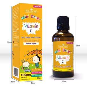 Η βιταμίνη C mini drops για παιδιά και βρέφη της natures aid το κουτί και το φιαλίδιο πορτοκαλί χρώματος με τις διαστάσεις τους 120mm το κουτί και 99mm το φιαλίδιο σε ύψος